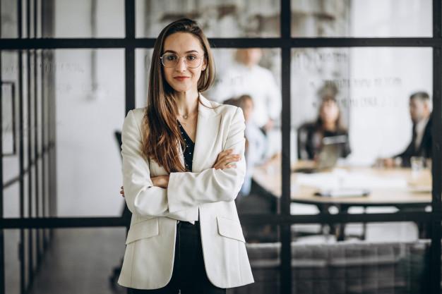 executive-business-woman-postinweb